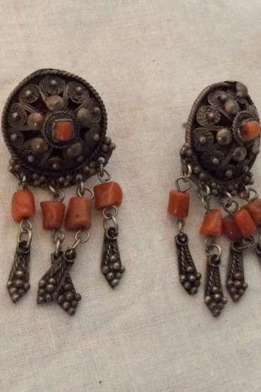 Osmanlı Telkari  İşçilikli Mercan Taşlı Bir Çift Küpe