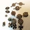 Gümüş Kafkas düğmeleri