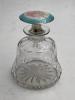 Mineli Parfüm şişesi