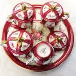 Fransız Imzalı Dört Adet Kapaklı  Fincan ve Tepsisi