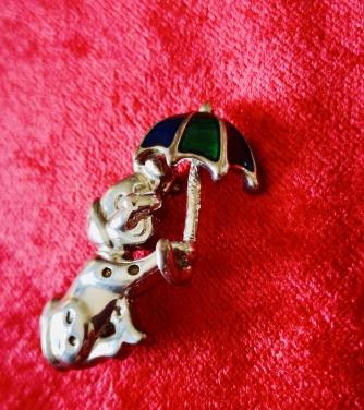 Şemsiyeli Köpek Broş